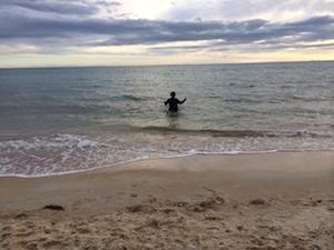 crazy-beach-winter-eczema-swimming